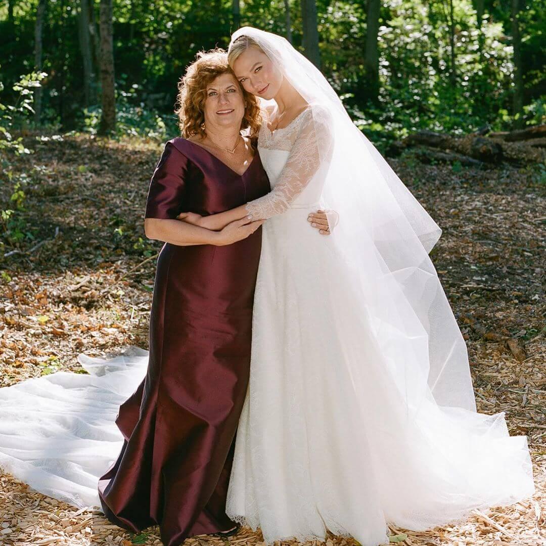 Дебютный выход: Супермодель Карли Клосс впервые станет мамой-Фото 2