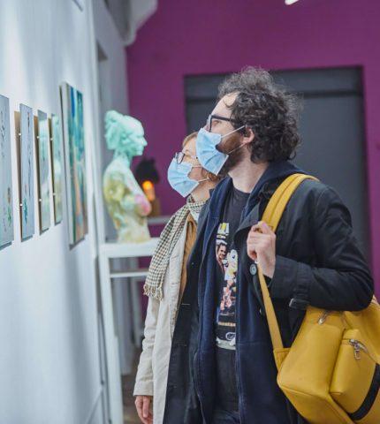 Як пройшло відкриття виставки міжнародного мистецького проєкту «Out of Scope»-430x480