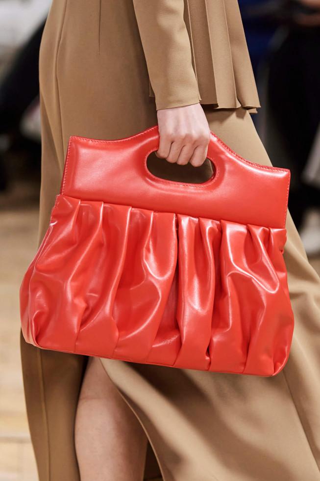 Назад в будущее: Винтажные сумки — самый модный аксессуар осени 2020-Фото 6
