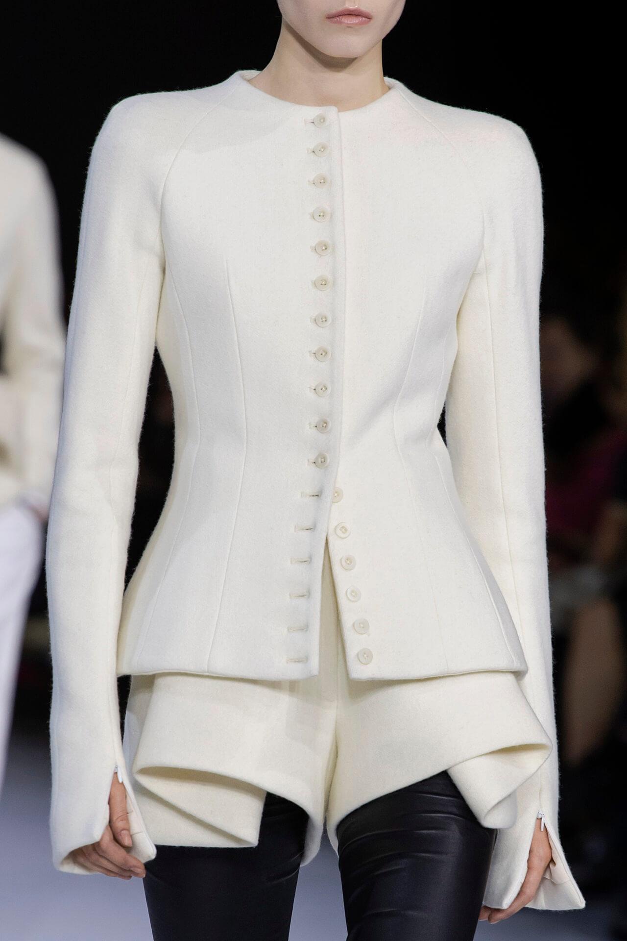 Четкий план: 10 вариаций самого модного пиджака осенне-зимнего сезона 2020/21-Фото 4