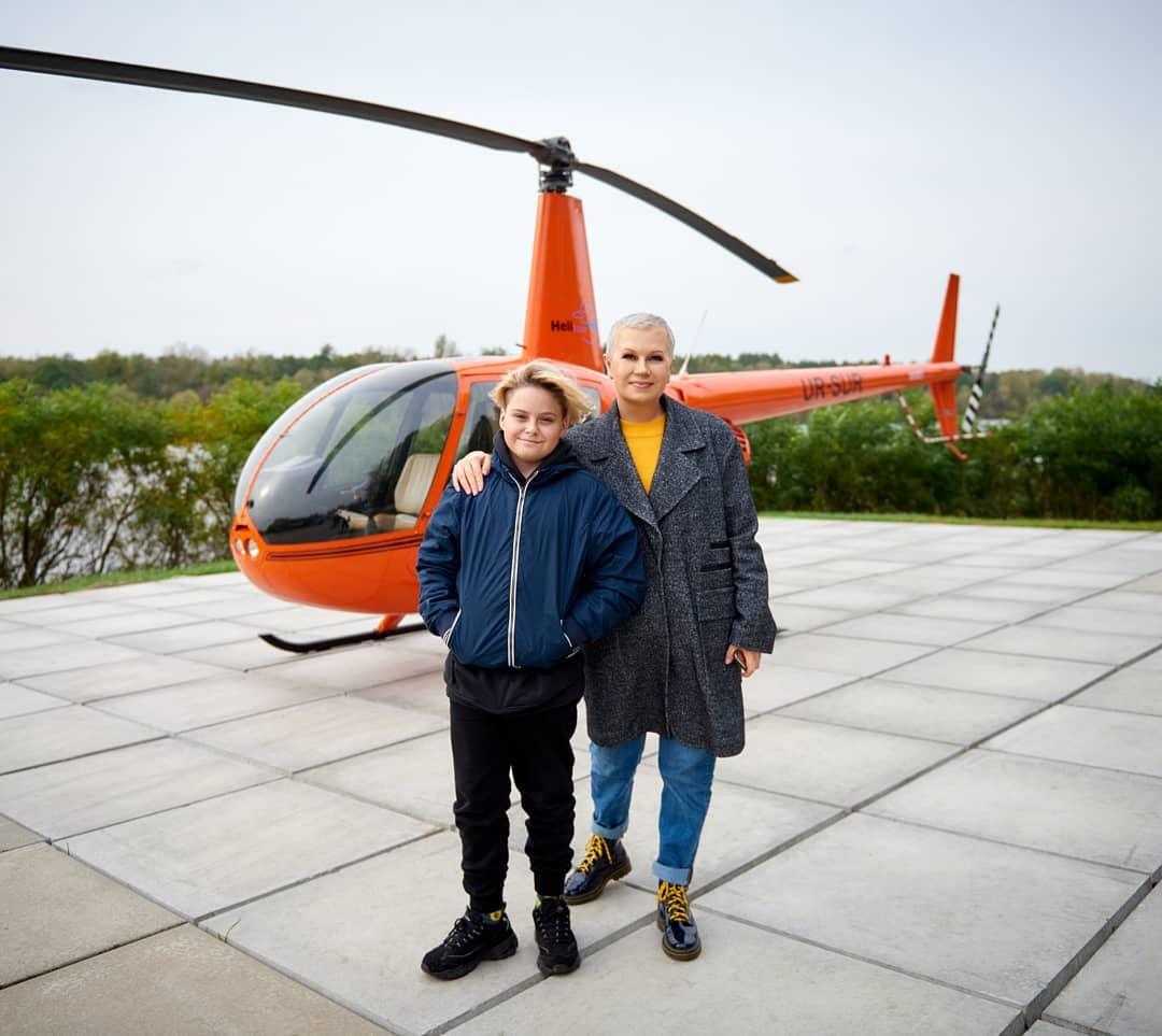 У небо на гвинтокрилі: Алла Мазур показала, як проводить час з сином-Фото 3