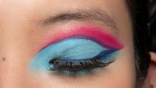 Синий период: Самый модный макияж осени 2020 — смелый неон против акварельной нежности-320x180