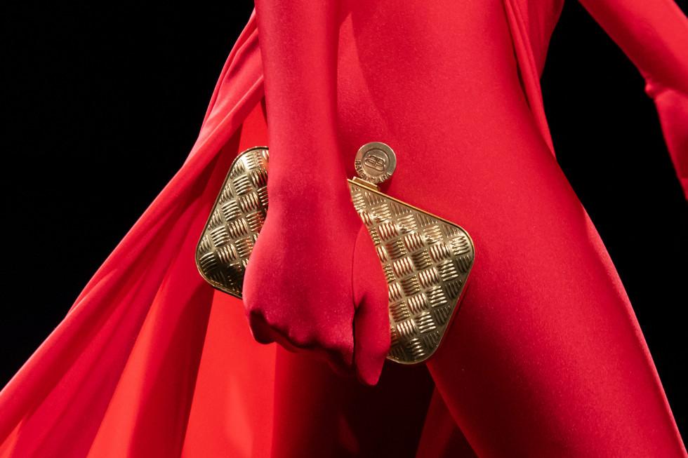 Назад в будущее: Винтажные сумки — самый модный аксессуар осени 2020-Фото 1