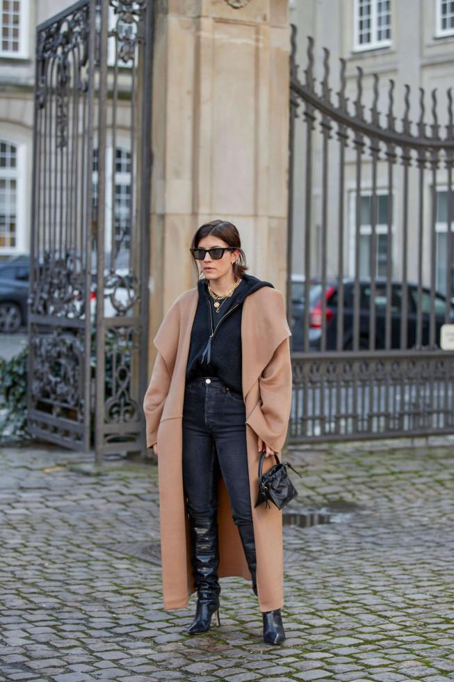 Обнаженные души: Вечно модное осеннее пальто, и его 7 актуальных ипостасей 2020 года-Фото 2