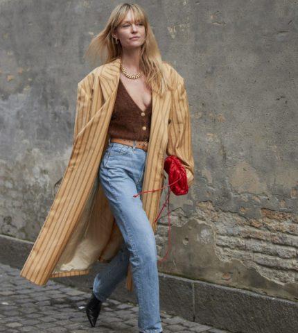 Городские законы: 7 самых модных комбинаций с джинсами сезона осень-зима 2020/21-430x480