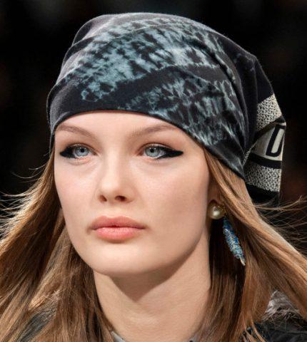 Наступление 1970-х: Как повторить самый модный макияж осени 2020-430x480