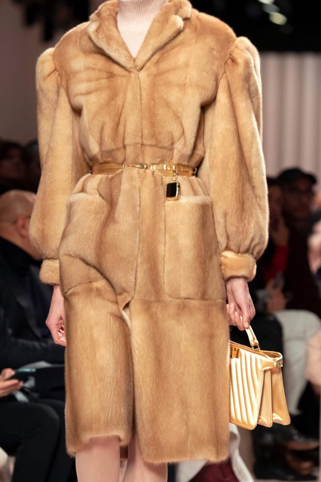 Обнаженные души: Вечно модное осеннее пальто, и его 7 актуальных ипостасей 2020 года-Фото 4