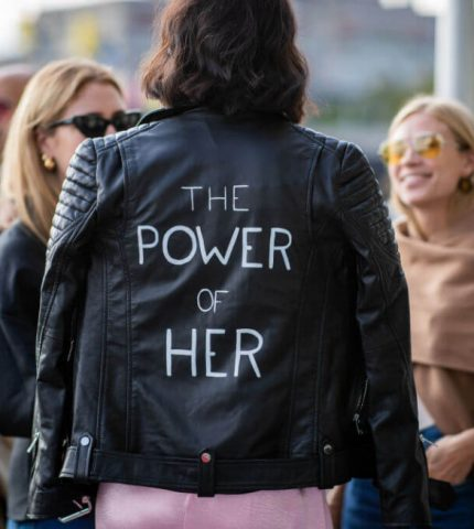 Черты феминизма: 9 осенних трендов 2020, которые добавят в ваш образ концептуальности-430x480