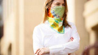 Пандемия на стиле: 7 шейных платков, которые заменят вам защитные маски-320x180
