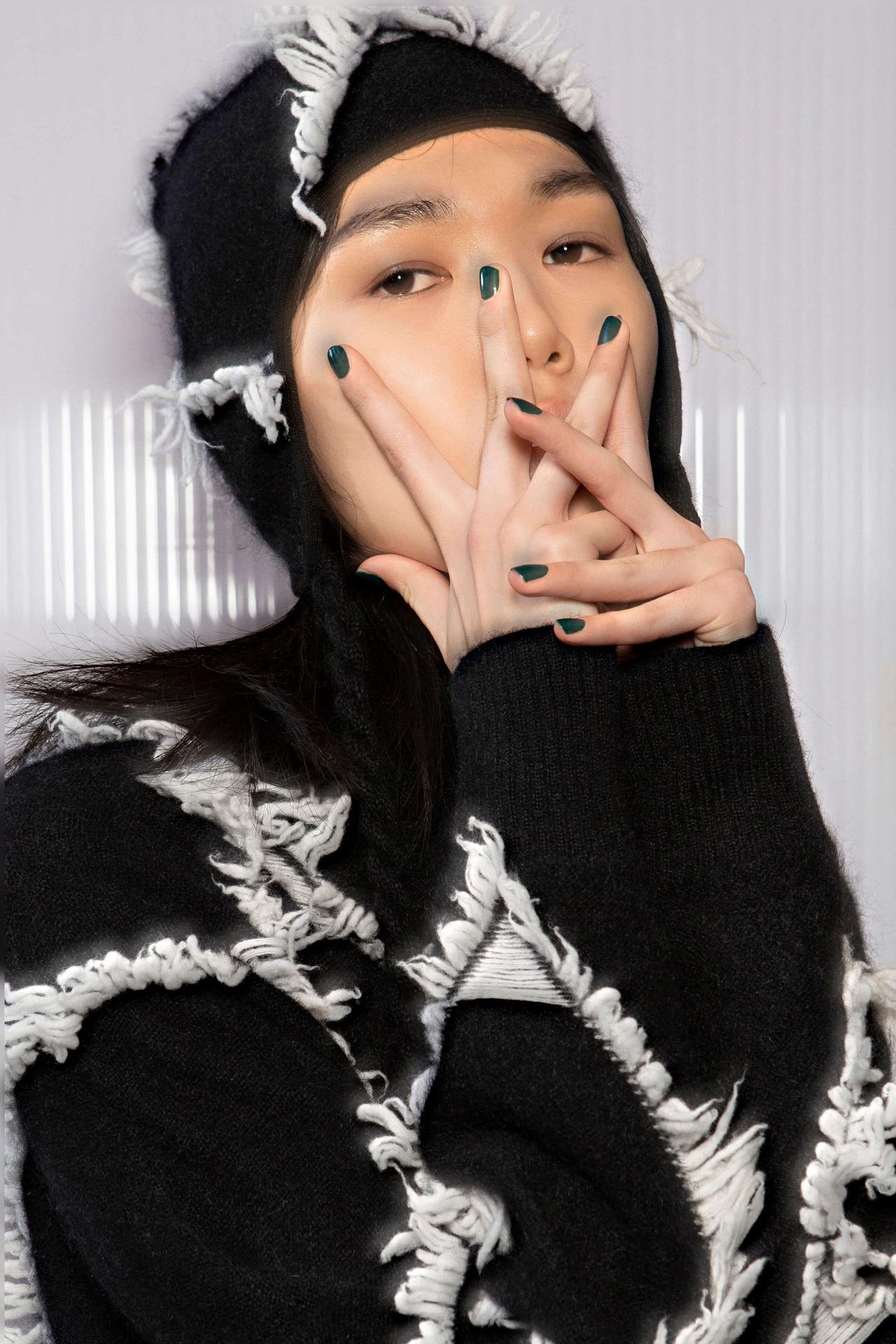 Подиумные тенденции: 10 модных дизайнов маникюра 2021 года-Фото 7