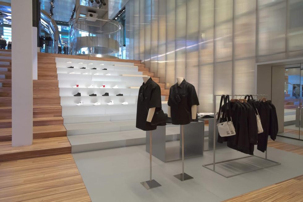 Инновационный подход: Prada расширяет свою коллекцию из нейлона-Фото 2