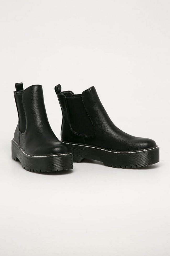 Политика демократизации: 11 вариантов самой модной обуви 2020 стоимостью до 1500 гривен-Фото 6