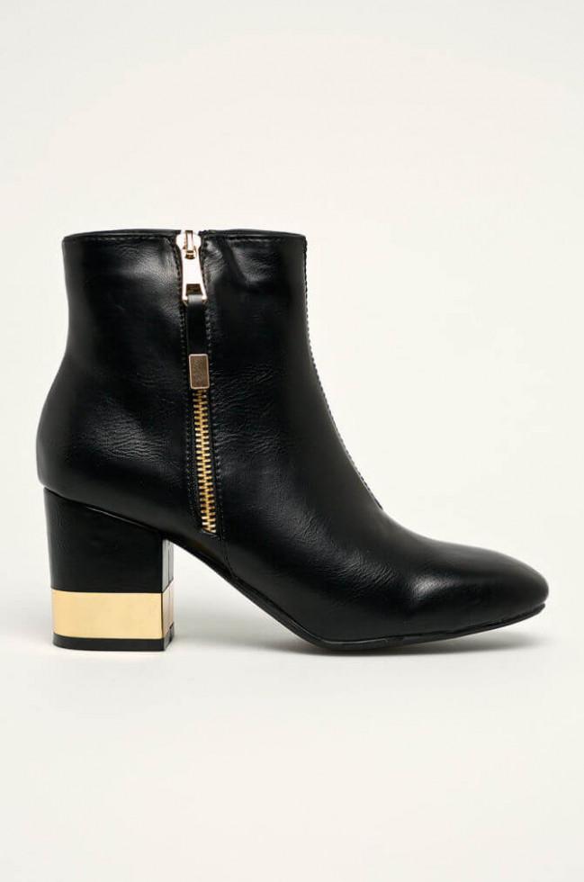 Политика демократизации: 11 вариантов самой модной обуви 2020 стоимостью до 1500 гривен-Фото 11