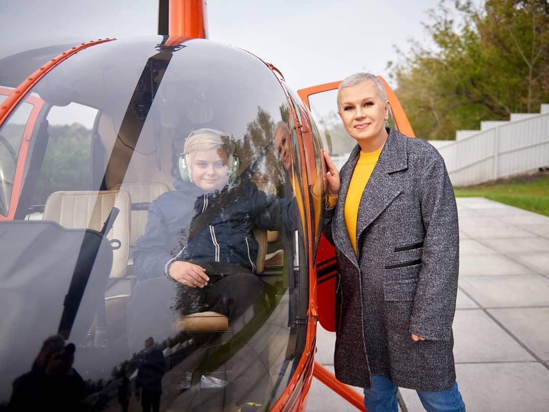 У небо на гвинтокрилі: Алла Мазур показала, як проводить час з сином-Фото 1