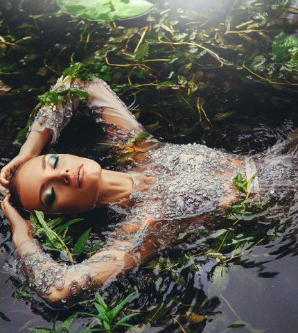 Міфи про осінній макіяж: Якою має бути косметика для холодної пори року-430x480