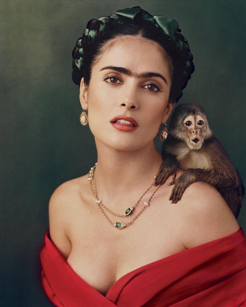 Секрет ее магии: 10 кинематографичных «выходов» красной помады-Фото 12