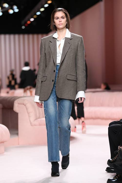 Городские законы: 7 самых модных комбинаций с джинсами сезона осень-зима 2020/21-Фото 6