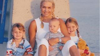 """Вышли """"на пенсию"""": 7 звездных бабушек и дедушек, которые по-прежнему выглядят достойно-320x180"""