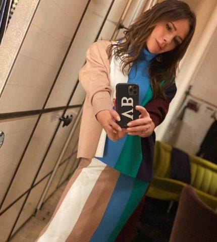 Виктория Бекхэм показала, как превратить домашнюю одежду в актуальный тренд-430x480