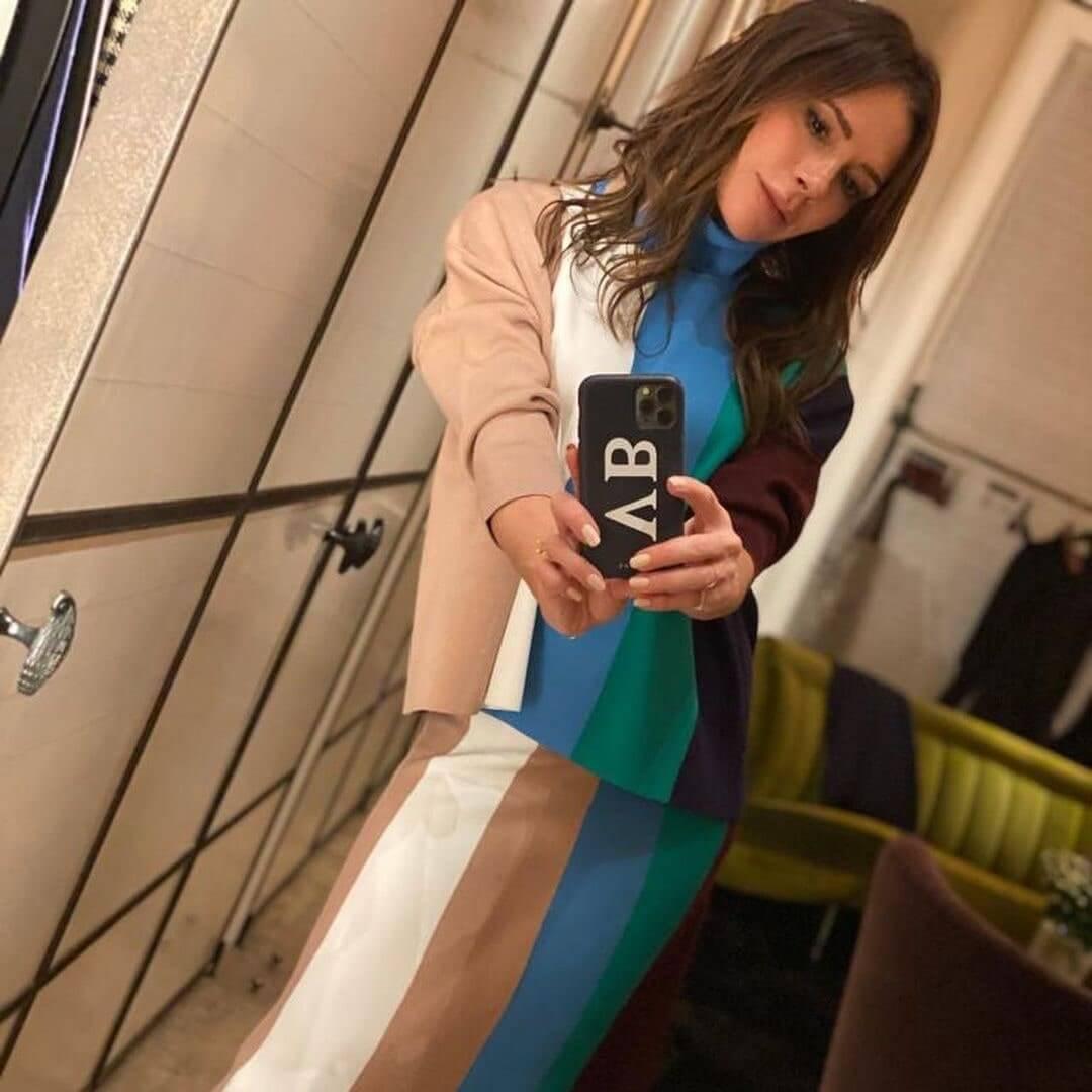 Виктория Бекхэм показала, как превратить домашнюю одежду в актуальный тренд-Фото 1