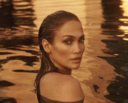 Дженнифер Лопес позирует обнаженной для обложки нового сингла-430x480