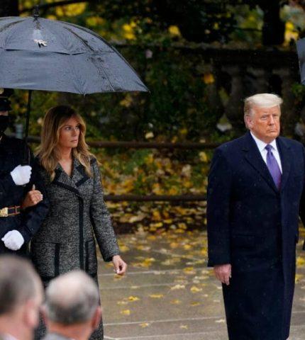 Дональд и Мелания Трамп впервые после оглашения результатов выборов вышли в свет-430x480
