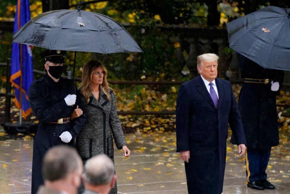 Дональд и Мелания Трамп впервые после оглашения результатов выборов вышли в свет-Фото 1