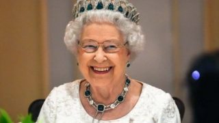 Королева Елизавета II выпустила джин-320x180