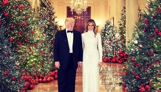 Мелания Трамп в последний раз украсит Белый дом к Рождеству-Фото 3