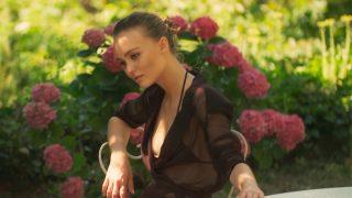 Лили-Роуз Депп рассказала о любимых образах из круизной коллекции Chanel-320x180