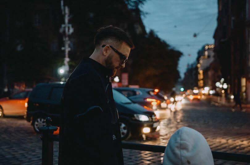 Гурт БЕZ ОБМЕЖЕНЬ провів секретний концерт для жителів Львова в центрі міста-Фото 1