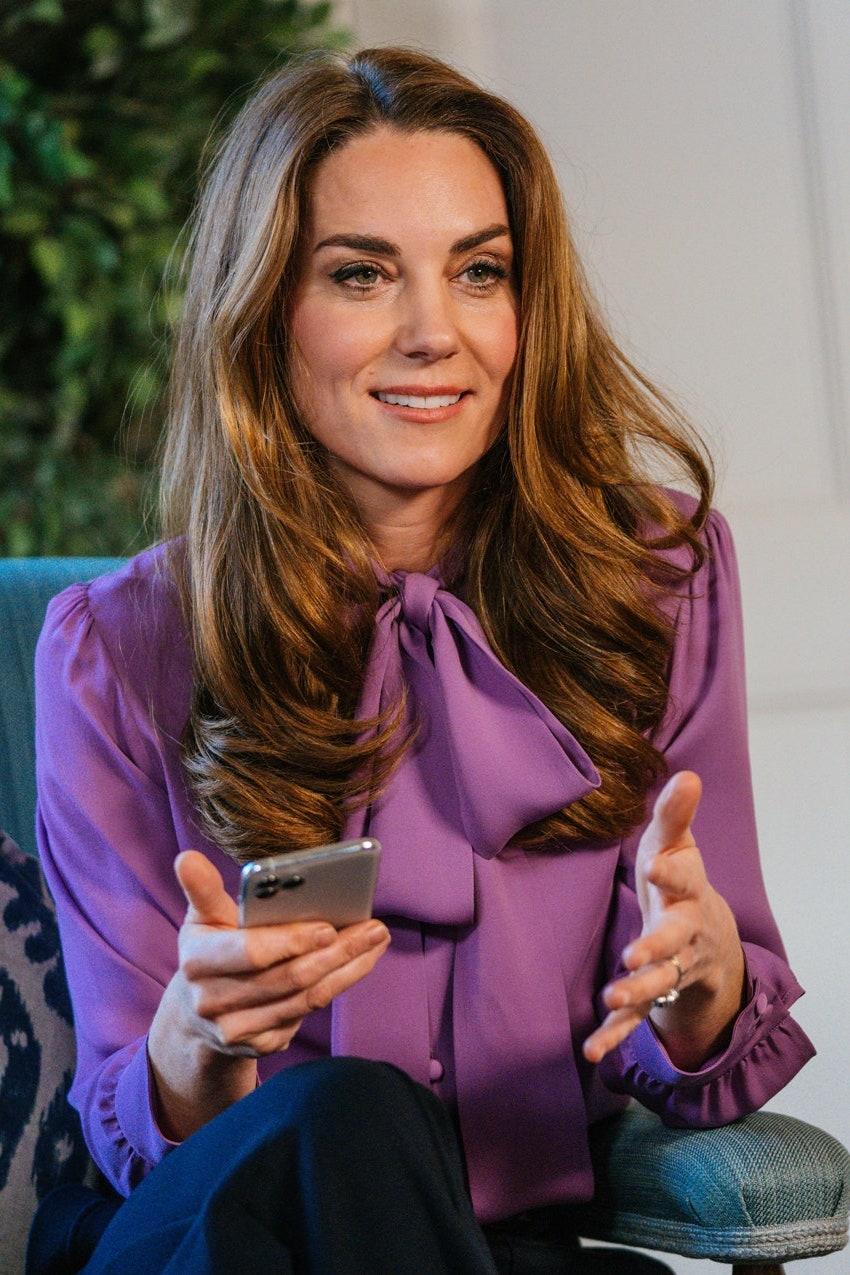 Королевский тренд: Выбираемидеальную блузу, как у Кейт Миддлтон-Фото 2