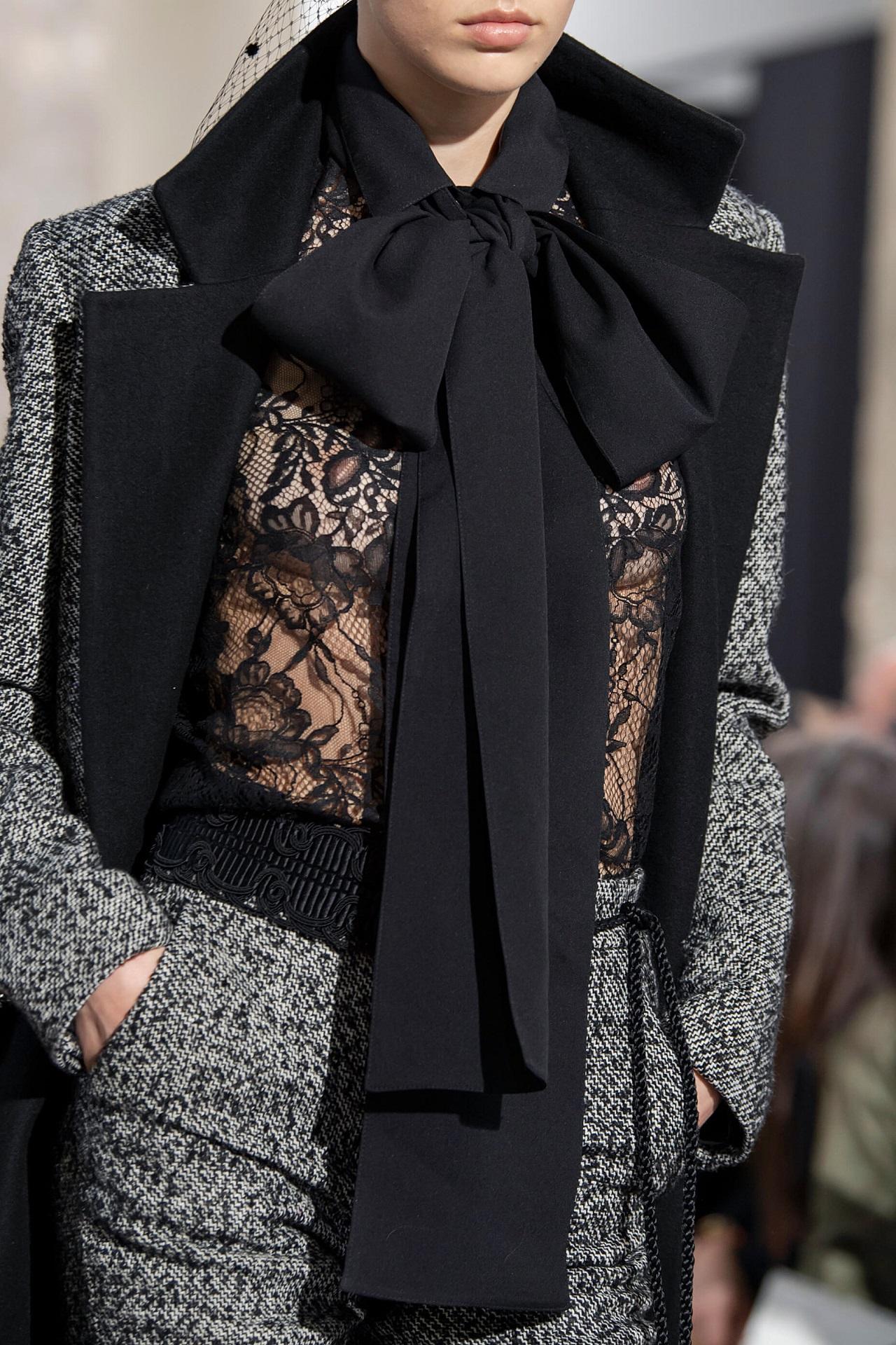 Анна на шее: 8 самых модных вариаций шарфов сезона осень-зима 2020/21-Фото 3