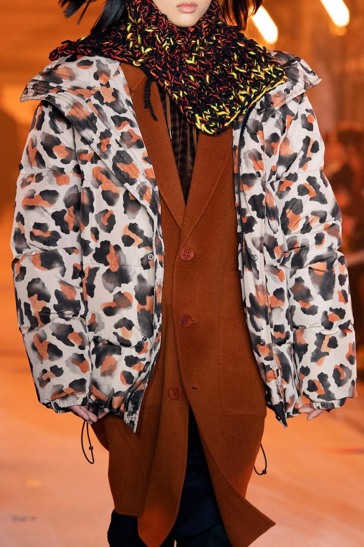 """Модный прогноз: 9 самых актуальных моделей пуховиков на сезон """"осень-зима 2020/21""""-Фото 9"""