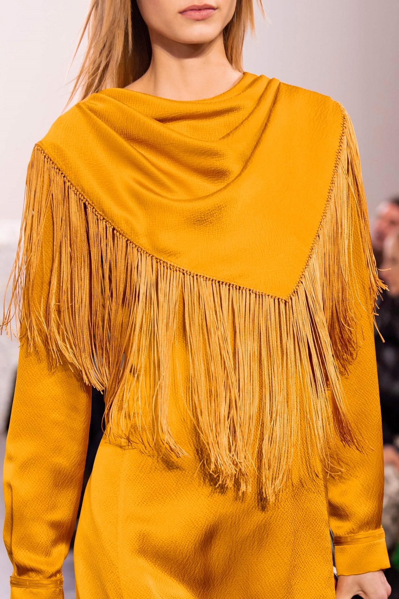 Анна на шее: 8 самых модных вариаций шарфов сезона осень-зима 2020/21-Фото 7