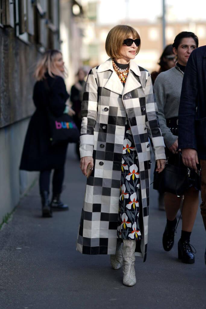 Богиня Vogue-Олимпа: 7 знаковых деталей стиля Анны Винтур-Фото 3