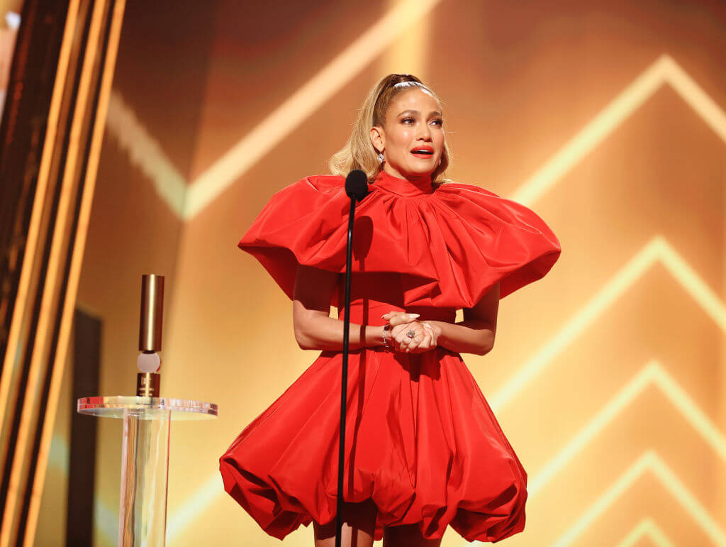 People'sChoiceAwards: Все образы звезд с красной дорожки-Фото 1