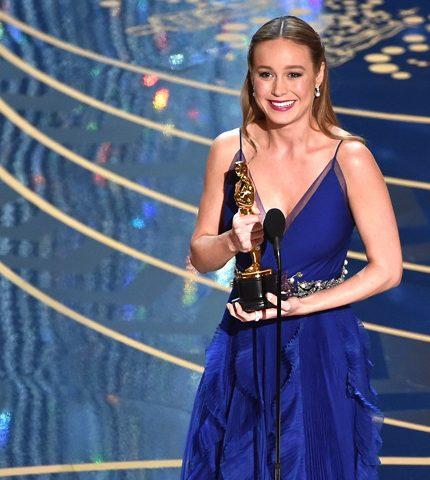 """Актриса Бри Ларсон призналась, что всю жизнь считала себя """"изгоем и уродиной""""-430x480"""