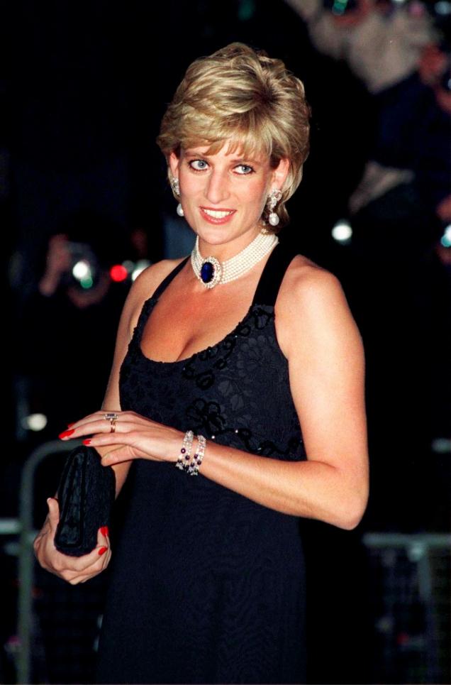 Принц Чарльз признался Диане, что не любит ее в ночь перед свадьбой-Фото 4