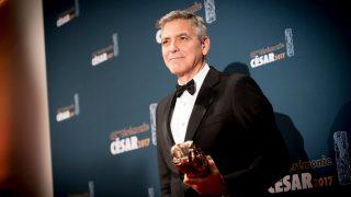 Почему Джордж Клуни подарил 14 друзьям по 1 миллиону долларов-320x180