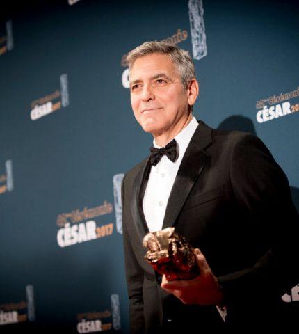 Почему Джордж Клуни подарил 14 друзьям по 1 миллиону долларов-430x480