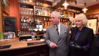 Принцу Чарльзу и Камилле пришлось отключить комментарии в Твиттере-320x180