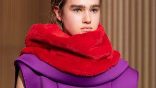 Анна на шее: 8 самых модных вариаций шарфов сезона осень-зима 2020/21-320x180