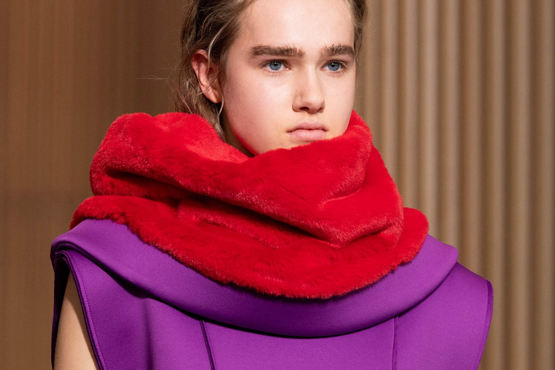 Анна на шее: 8 самых модных вариаций шарфов сезона осень-зима 2020/21-Фото 1