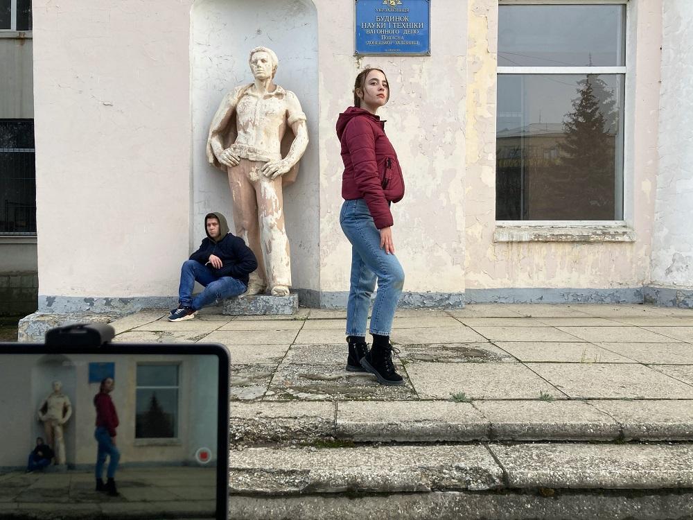 Театр як терапія: Підлітки з прифронтових міст збирають нову «Симфонію Донбасу»-Фото 1