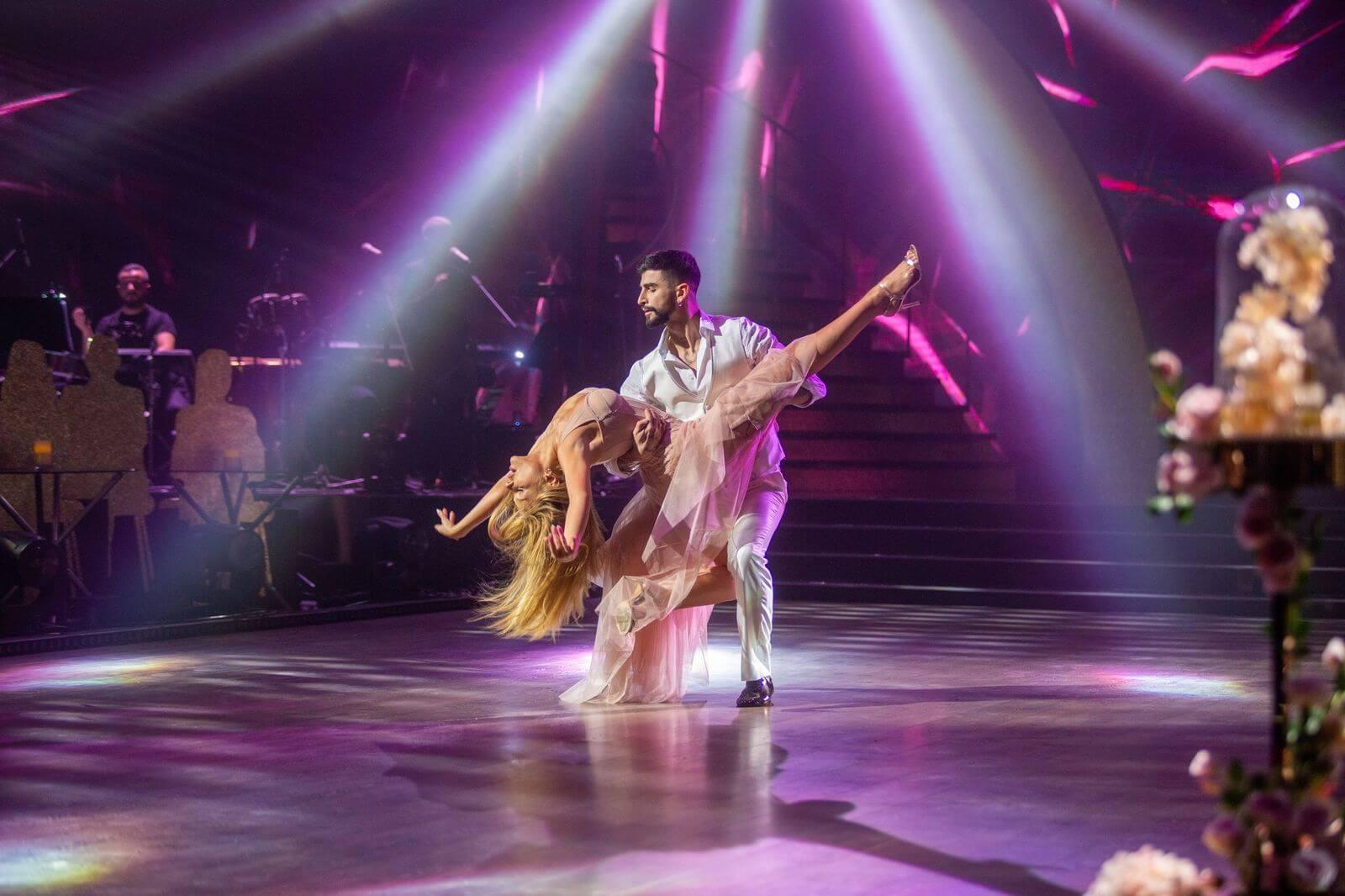 Тина Кароль впервые за 15 лет станцевала на «Танцах со звездами»-Фото 1