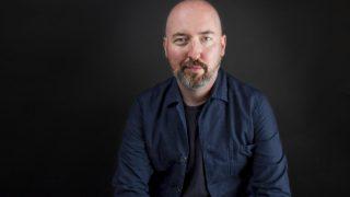 Дуглас Стюарт получил Букеровскую премию за дебютный роман-320x180