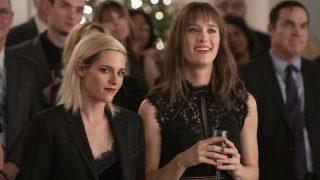 Кристен Стюарт строит отношения с девушкой в трейлере фильма «Самый счастливый сезон»-320x180