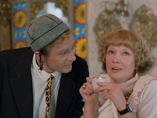 Знакомые лица: Ароматы для героинь любимых советских фильмов-Фото 7