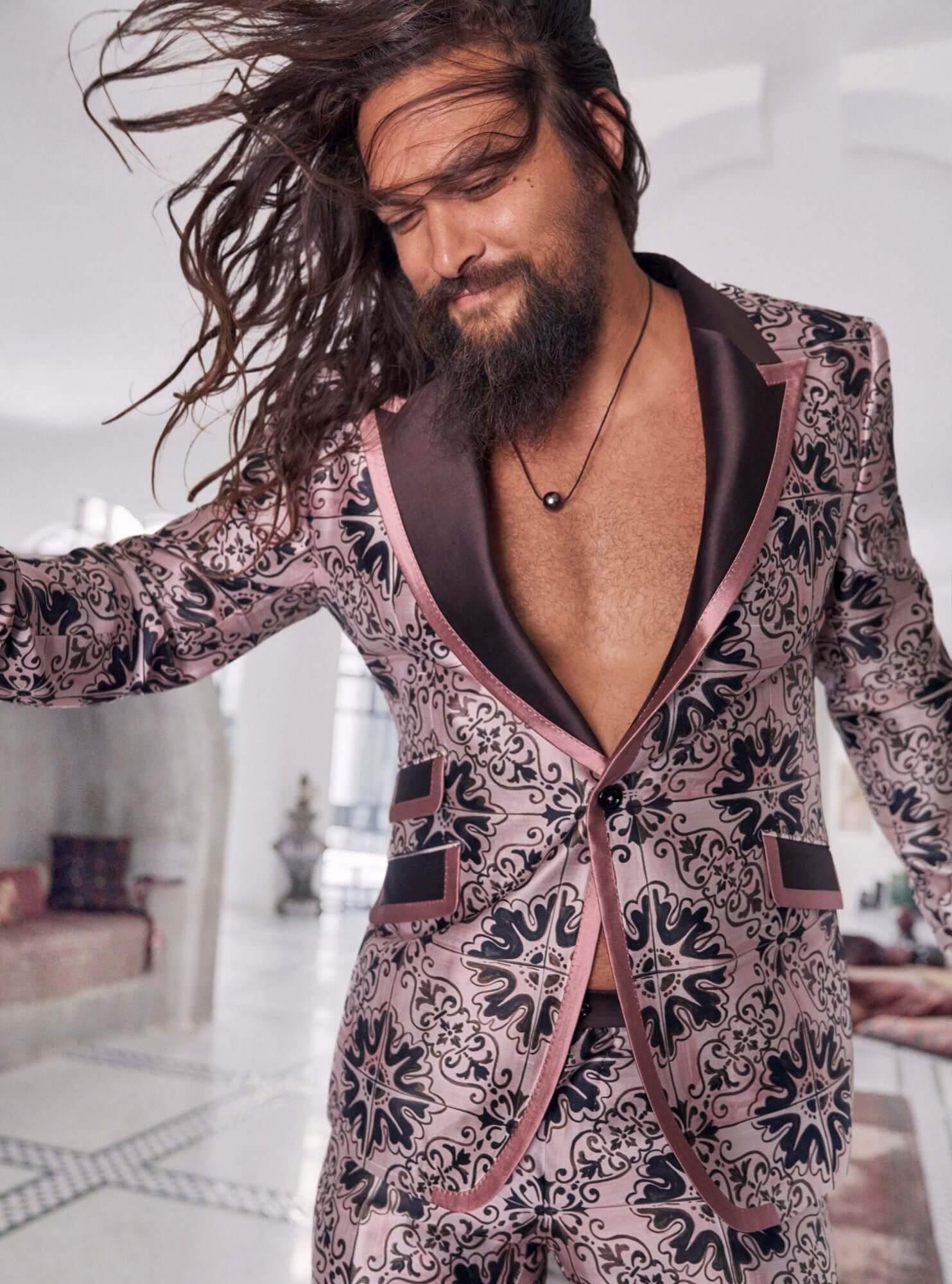 """""""Аквамен"""" заявил, что он обожает носить вещи девчачьих оттенков-Фото 3"""